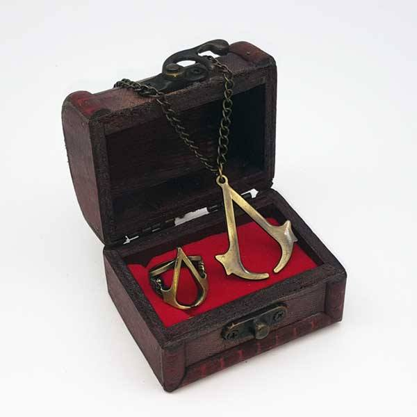 Set de Colgante y Anillo Assassin's Creed